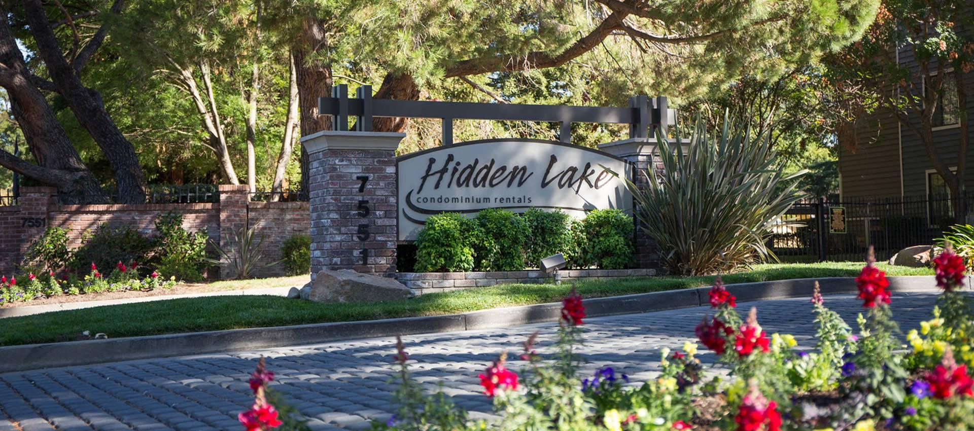 Signage at Hidden Lake Condominium Rentals in Sacramento, CA