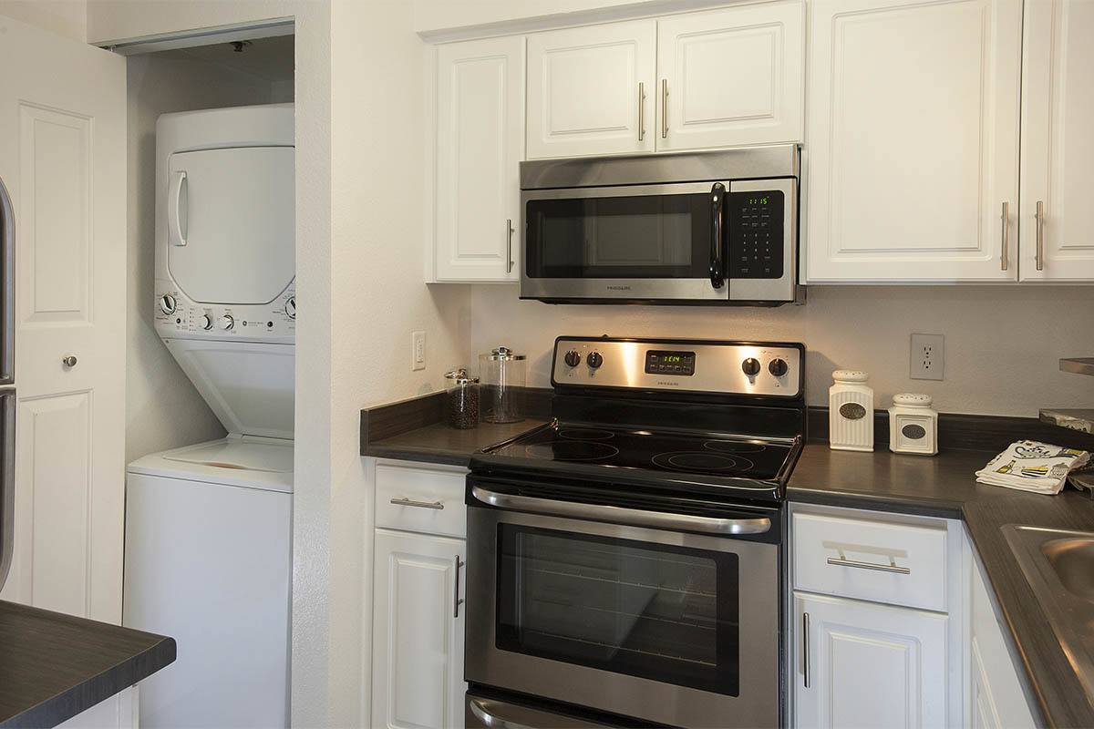 Luxury Kitchen at Mill Springs Park Apartment Homes in Livermore