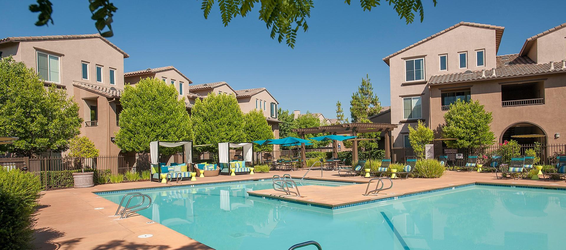 Read reviews of Venu at Galleria Condominium Rentals on our website