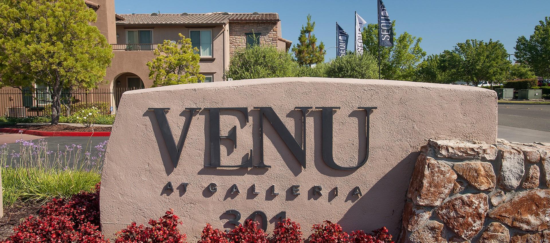 Living Room at Venu at Galleria Condominium Rentals in Roseville, CA