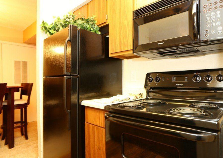 Kitchen at Biltmore Park Apartments