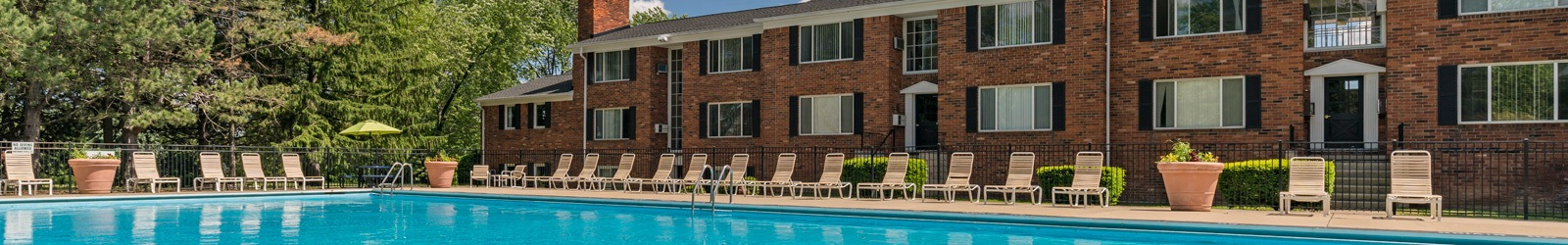 Contact Independence Green Apartments about luxury apartment community living in Farmington Hills, MI