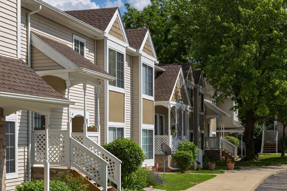 Exterior of apartment homes at Monticello Apartments in Michigan