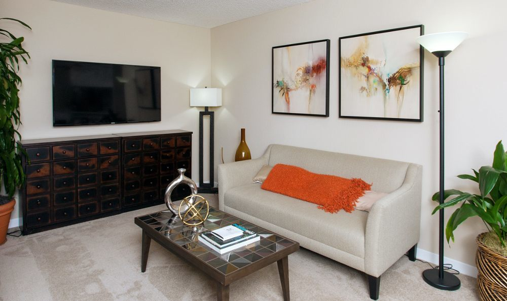 Spacious living room at Countrywood