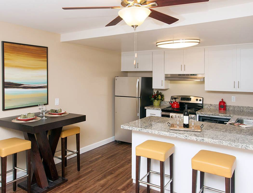 townhomes apartments with walk in closets tamarack apartments apartment features open concept floor plans