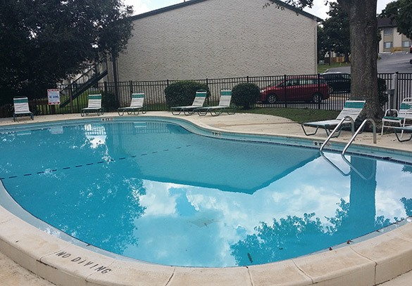 The swimming pool at our Tallahassee apartments