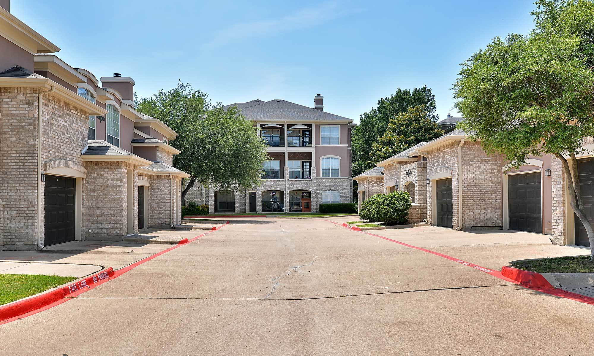 Apartments in Plano  TX. Willow Bend Plano  TX Apartments for Rent   Bentley Place at