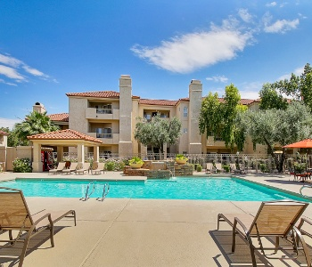 Amenities at Ventana Apartment Homes | Apartments with a swimming pool