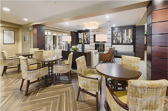 Senior living in northwest fresno ca kingston bay for Senior living dining room