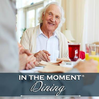 Memory care dining options at Highland Estates