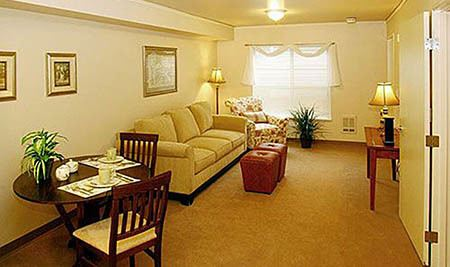 Maple Leaf Assisted Living & Memory Care Living room area