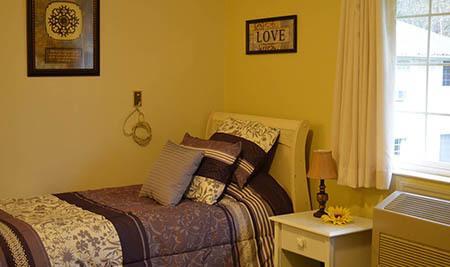 Cascade Valley Senior Living Senior-Living bedroom
