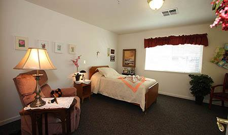 Private Suite at Oak Terrace Memory Care in Soulsbyville