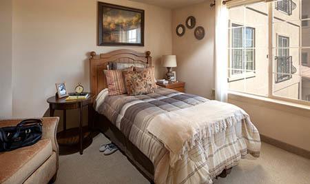Bedroom at White Cliffs Senior Living in Kingman