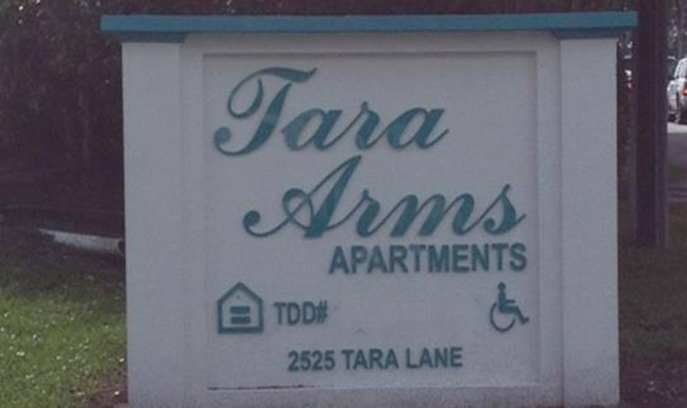 Monument Sign at Tara Arms