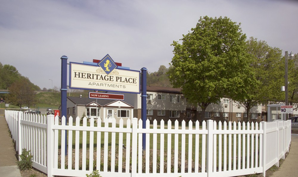 The entrance sign of Heritage Place in Steubenville, OH