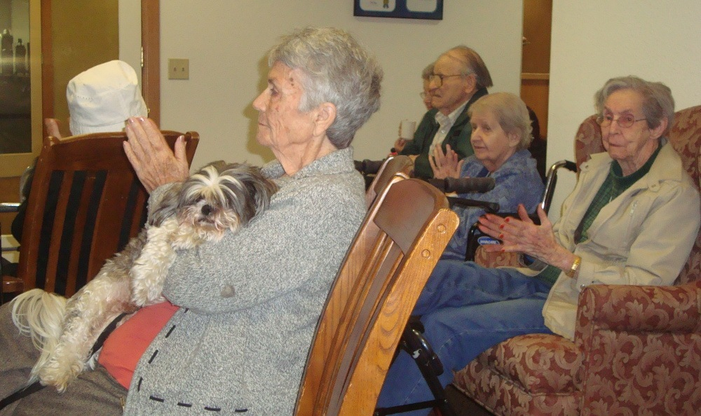 Pets accepts at Alder Bay Assisted Living