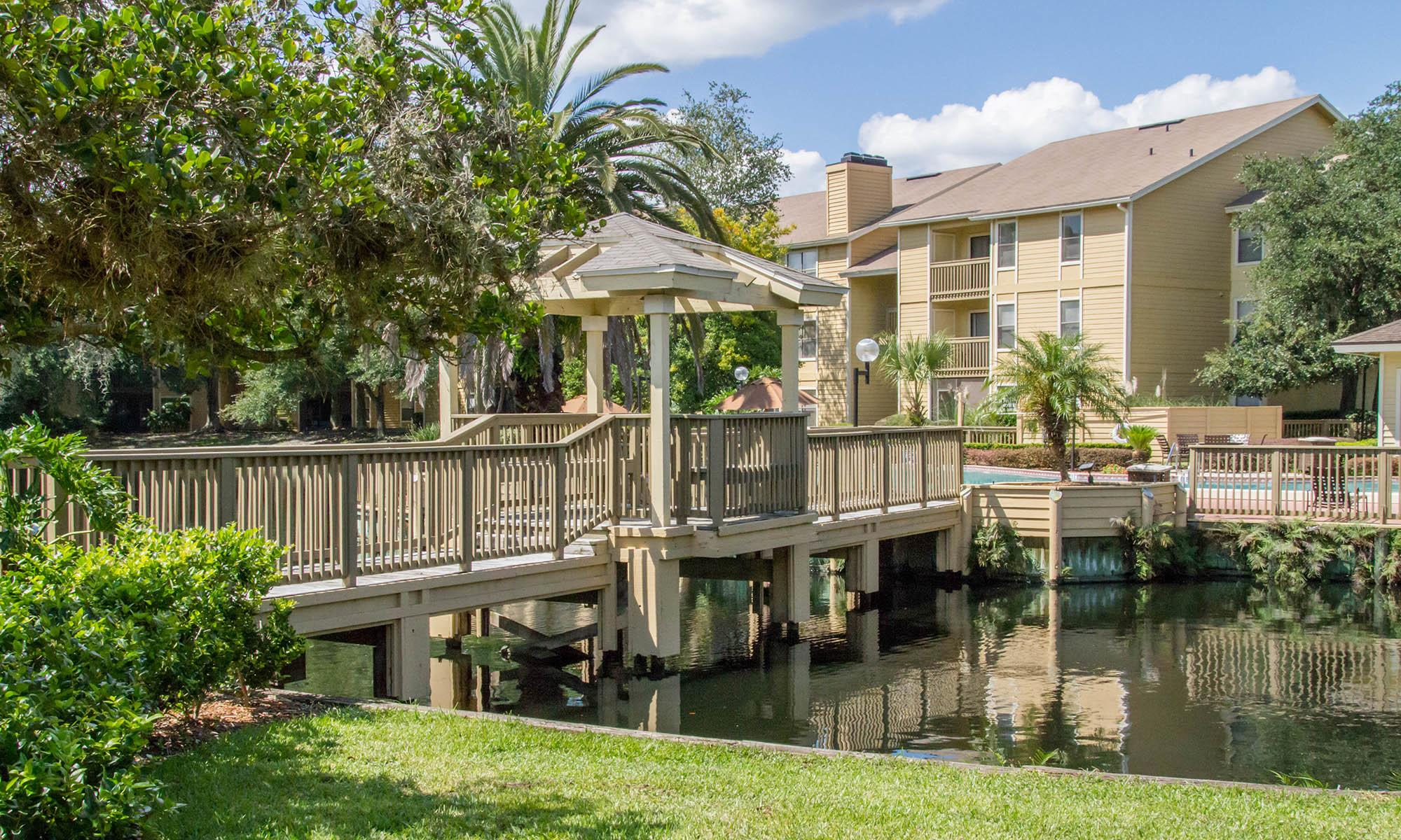 Pet-friendly apartments in Orange Park