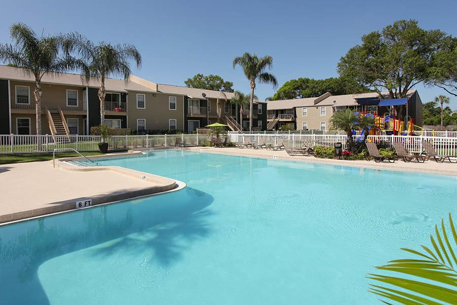 Pool at Coopers Pond Apartments in Tampa