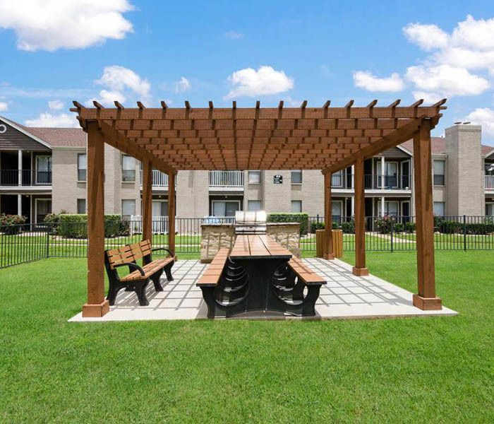 Landmark at Auburn Manor offers an impressive list of features and amenities in Round Rock