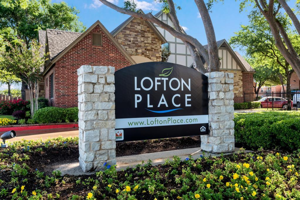 Signage at Lofton Place in Fort Worth