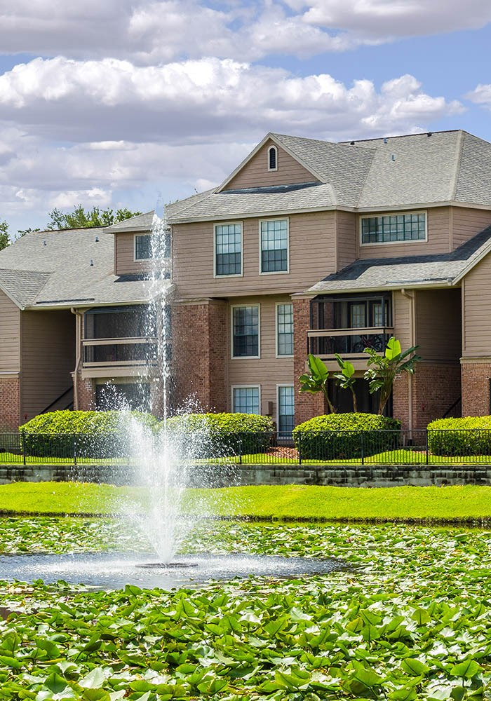 Montevista at Windermere offers an impressive list of features and amenities in Orlando