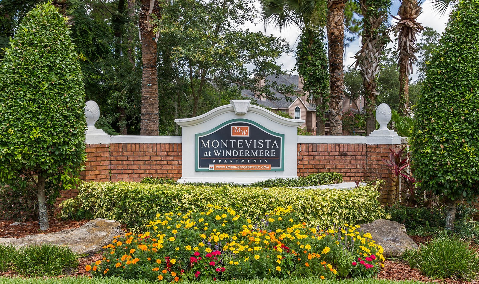 Signage at apartments in Orlando, FL