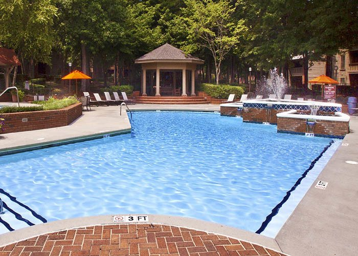 Paces Pointe offers an impressive list of features and amenities in Matthews