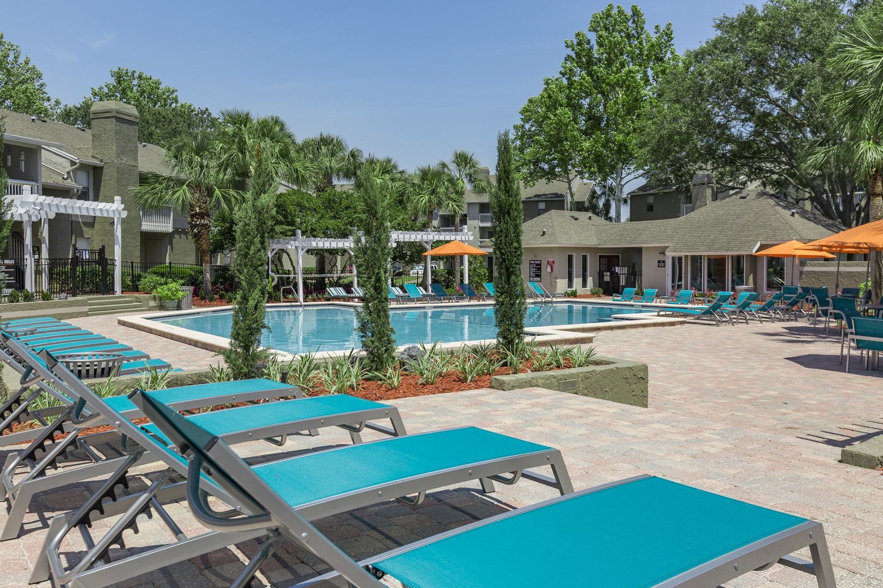 Welcome to Palms at Beacon Pointe in Jacksonville, FL