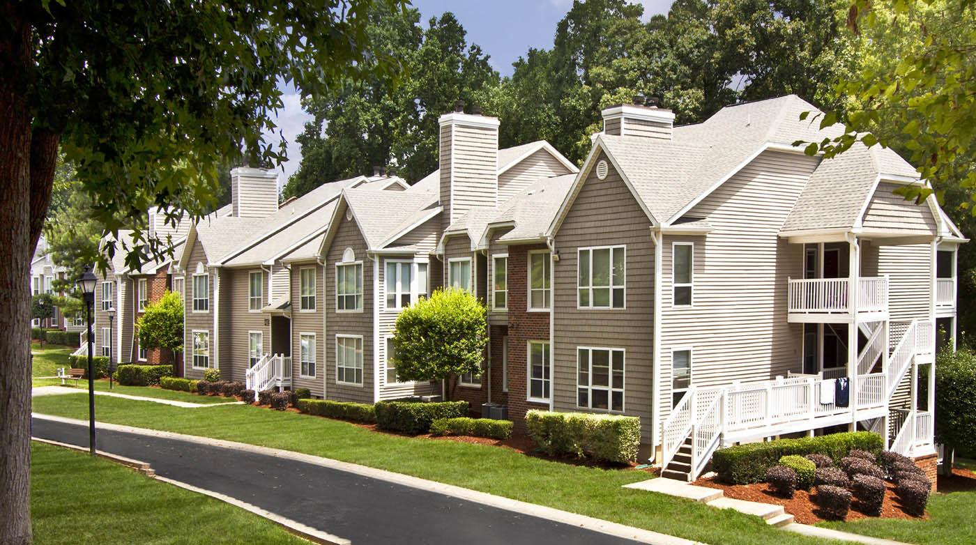 Exterior at Southpark Commons in Charlotte, NC
