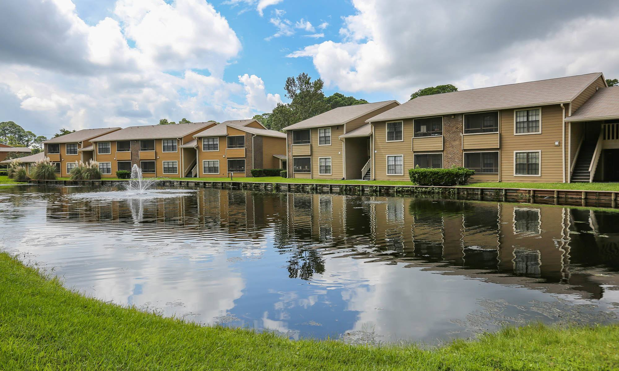 Welcome to Pointe Parc at St. Johns in Jacksonville, FL