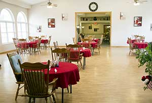 The spacious dining hall at Garden Place Red Bud