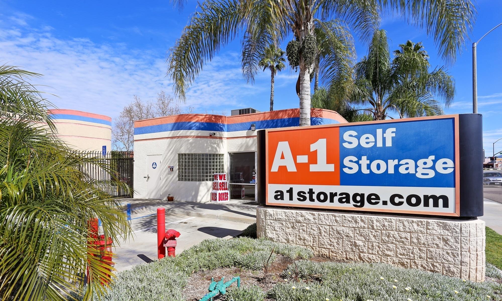 Self storage in El Cajon CA