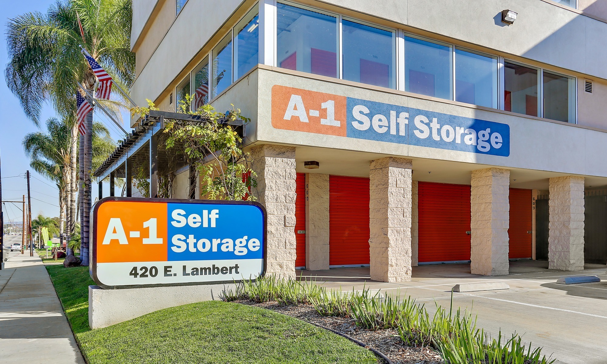 Self storage in La Habra CA