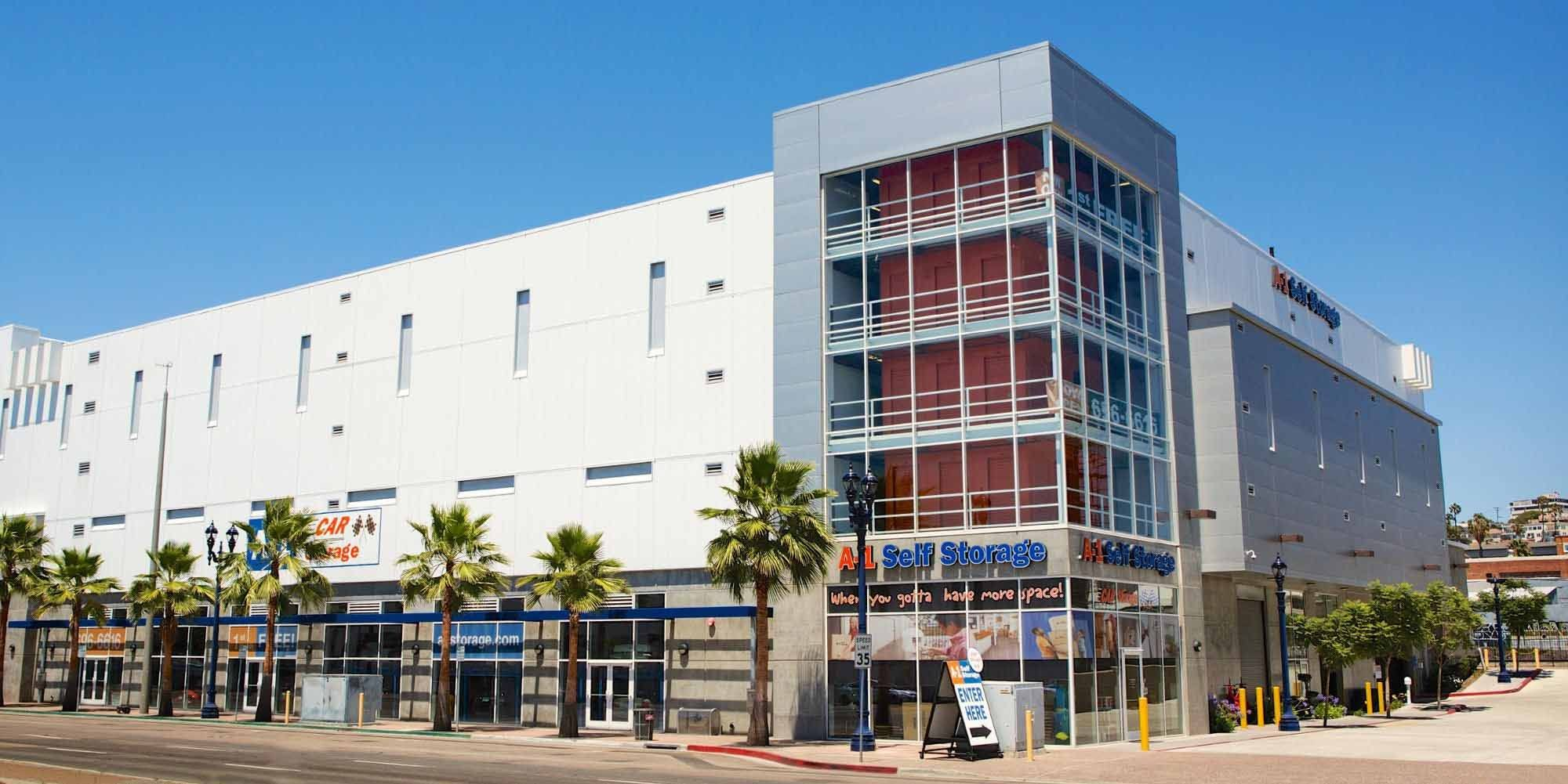Self storage in San Diego CA