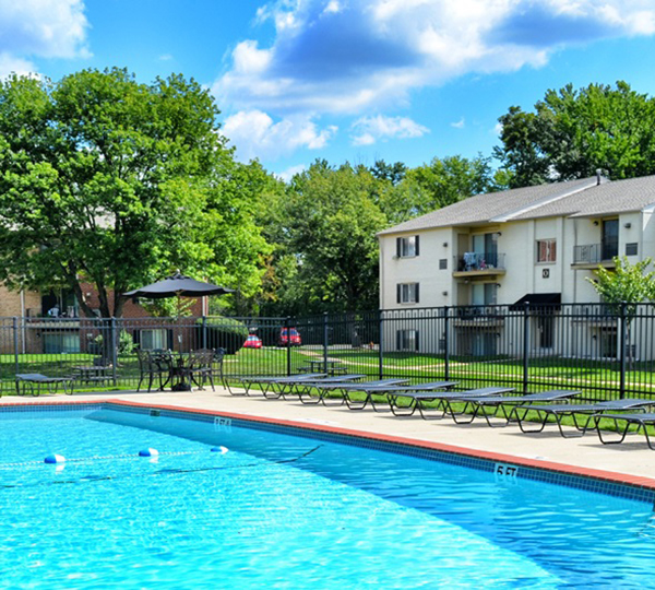 Amenities offered at apartments in Levittown
