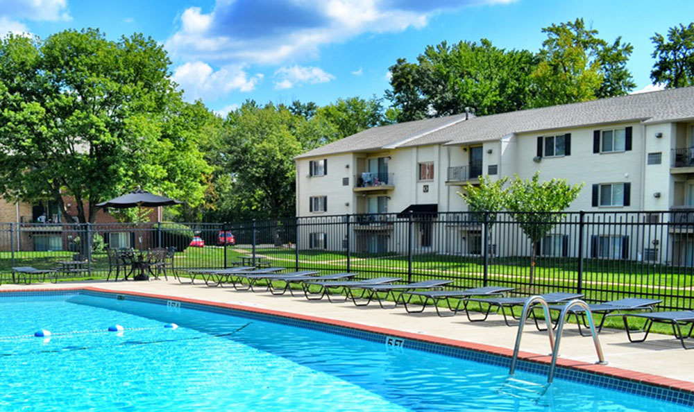 Chesterfield Apartments In Levittown Pa