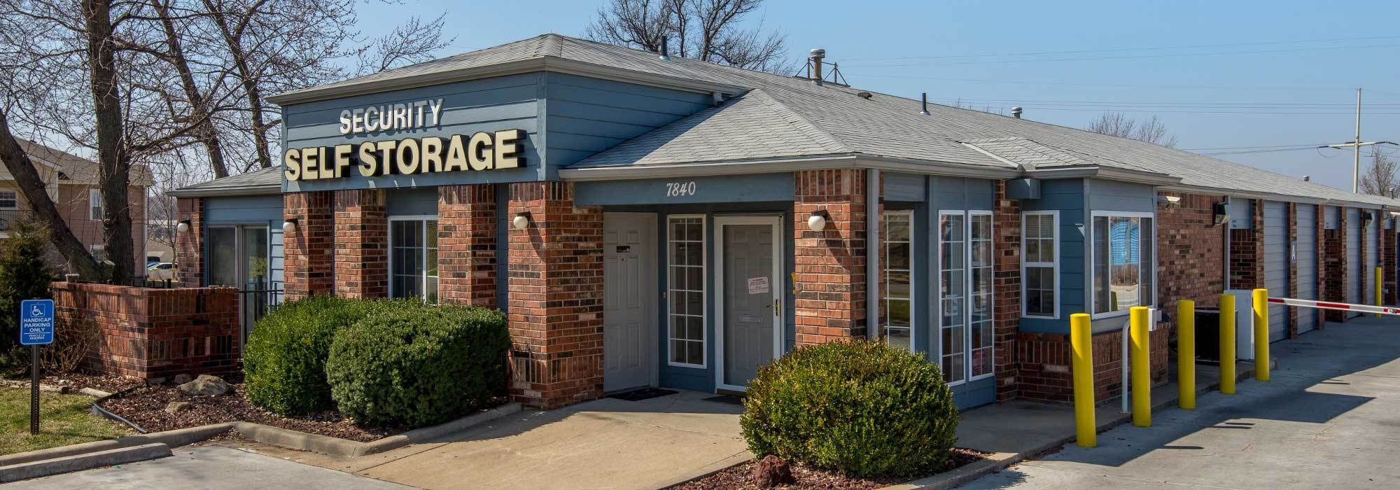 Self storage Exterior in Overland Park KS