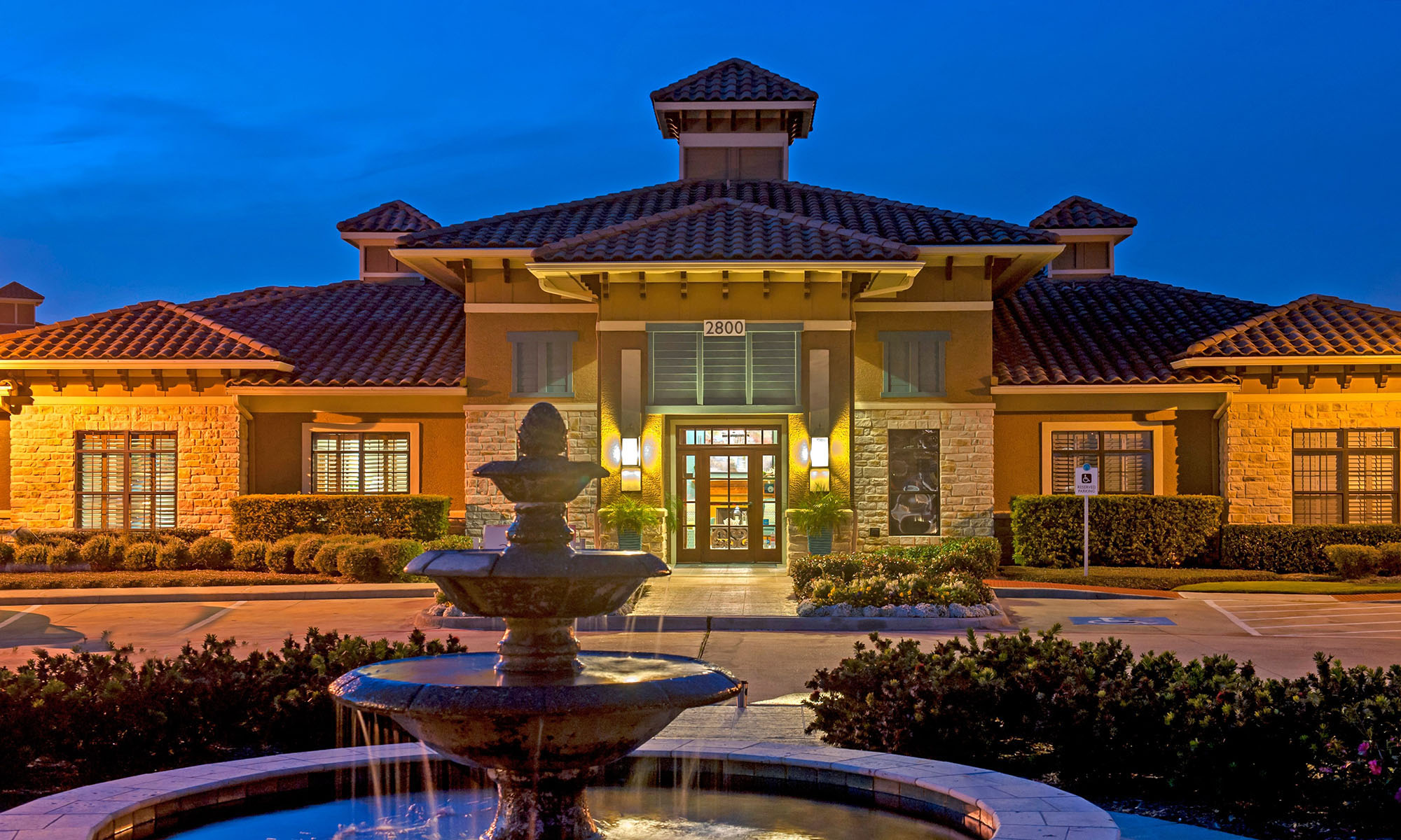 Entrance to Avana at South Shore Apartments in League City,TX
