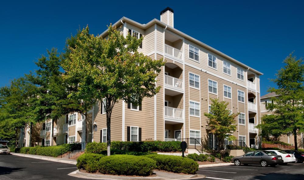 building exterior view at Jefferson at Perimeter Apartments in Atlanta, GA