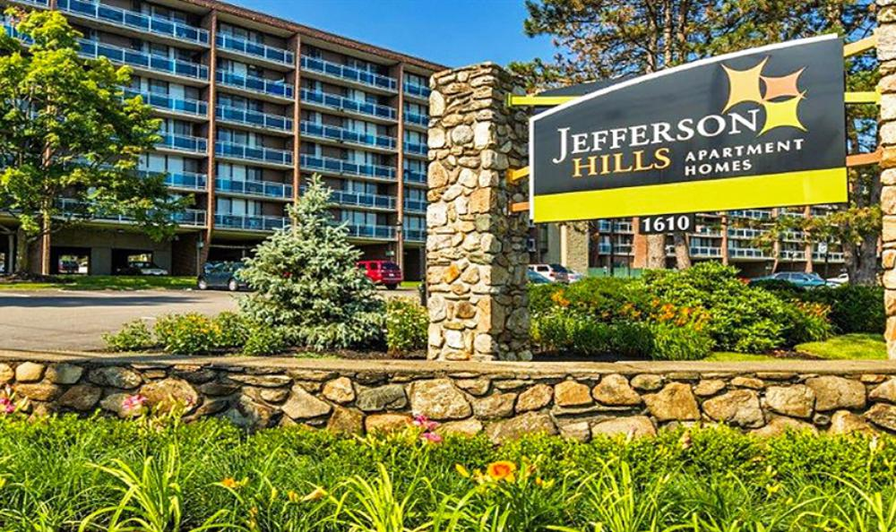 entrance sign at Jefferson Hills Apartments in Framingham, MA