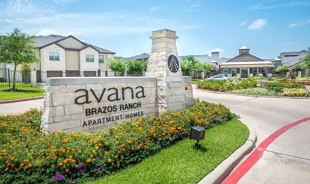 entrance sign at Avana Brazos Ranch Apartments in Rosenberg, TX