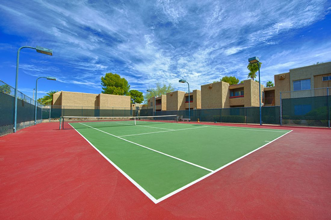 Tennis court at Avana McCormick Ranch Apartments