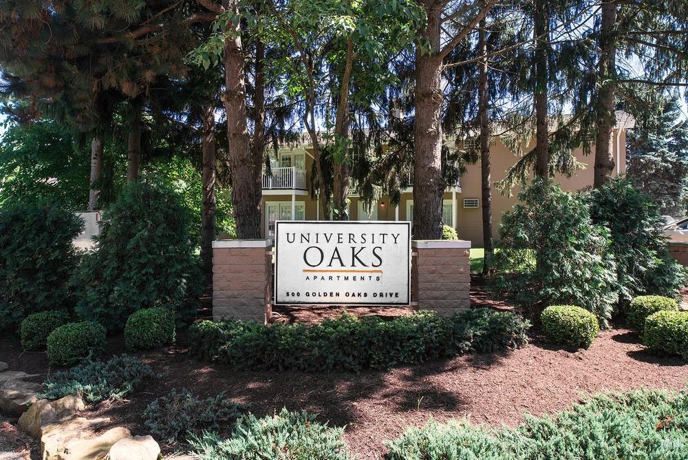 Front entrance sign at University Oaks in Kent