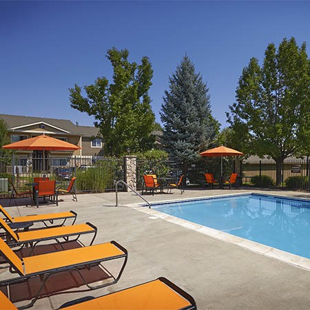 Crossroads at City Center Apartments amenities in Aurora
