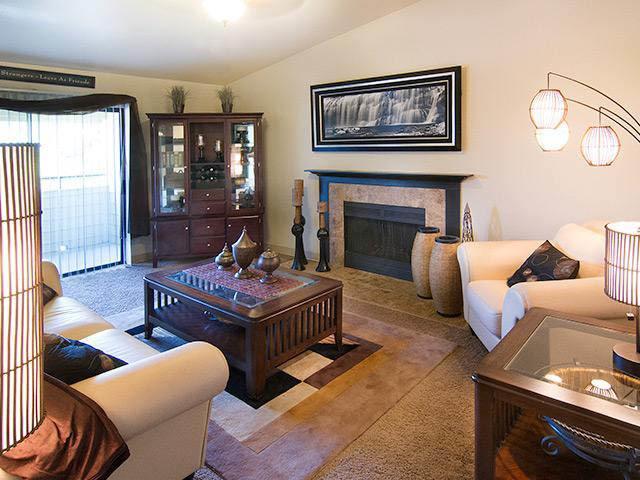 Living room at Royal Ridge Apartments