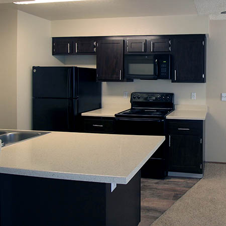 Dining area at Parkside Commons Apartments in San Leandro