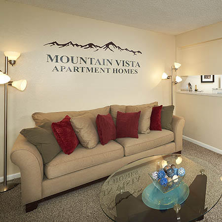 Dining area at Mountain Vista Apartments in Lakewood