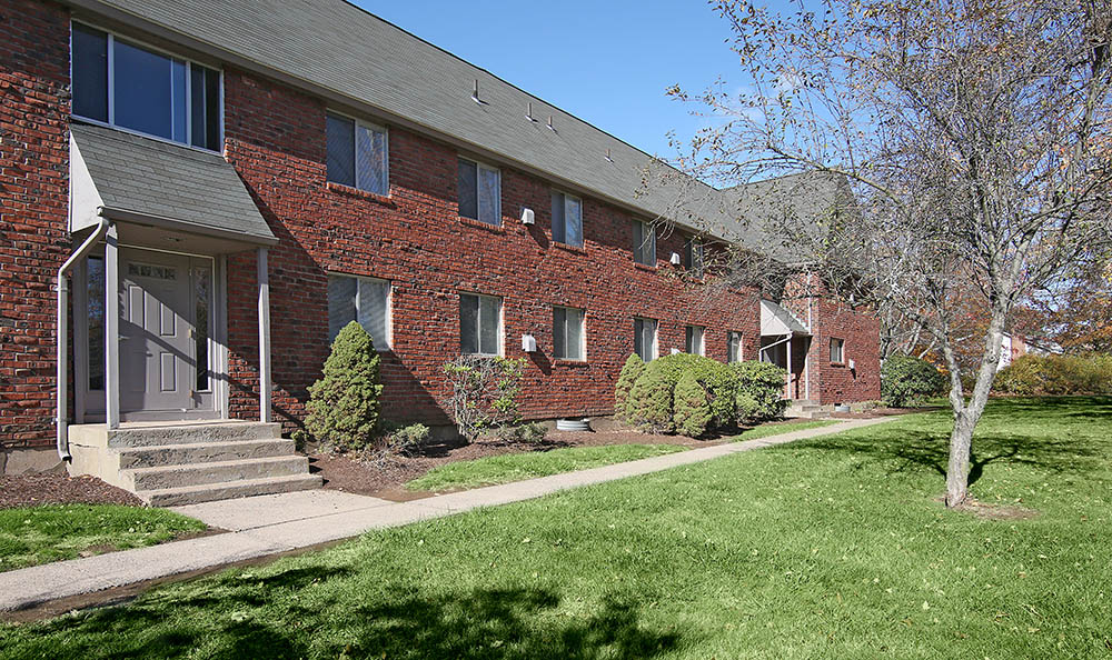 Exterior Of Woodbridge Apartments