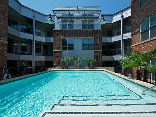 Learn more about our luxurious amenities at 1001 Ross in Dallas.
